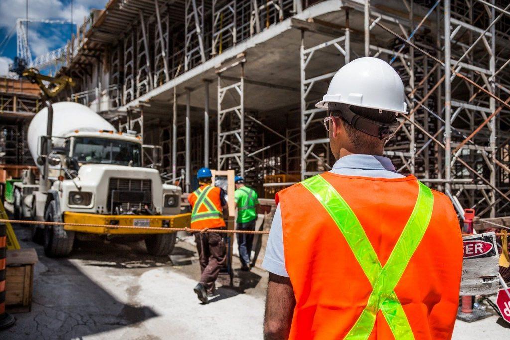 estimadores que trabajan en el sector de la construcción
