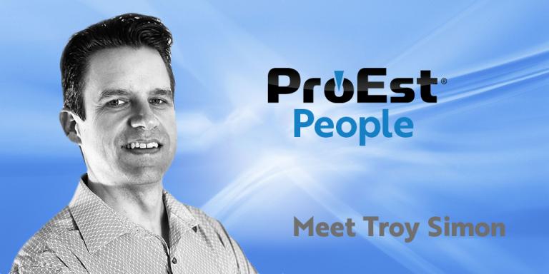 Troy Simon: Director de Servicios al Cliente